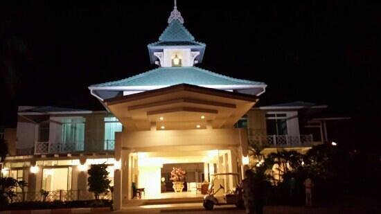Tipa Resort: night scent