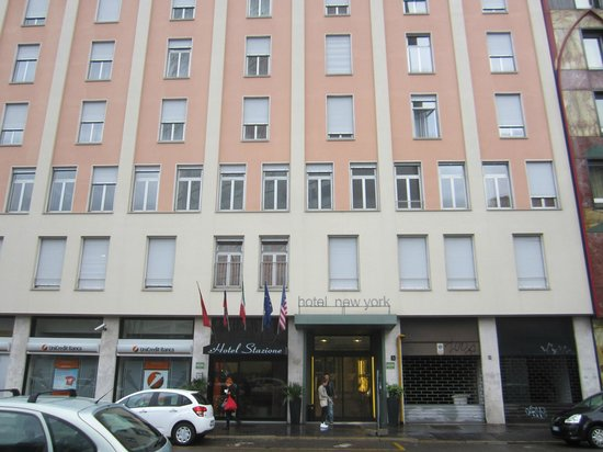 Hotel Stazione : Front of  hotel 