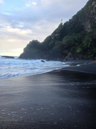 Roseau, Dominica: beach