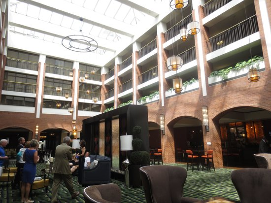 Sheraton Philadelphia Society Hill Hotel: Beautiful Interior