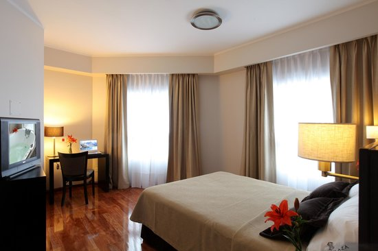 Europlaza Hotel & Suites