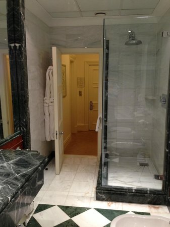 Claridge&#39;s: Shower