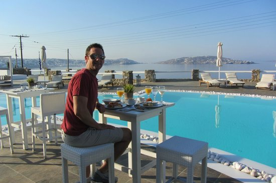 Agios Stefanos, Grækenland: Amazing breakfast everymorning and incredible views