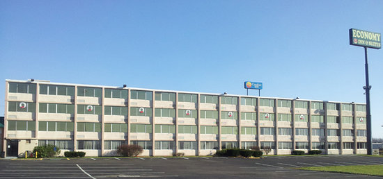 Photo of Economy Inn Youngstown