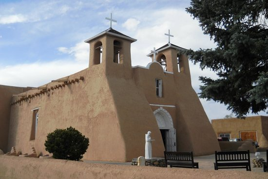 Ranchos De Taos, NM: goregeous Spanish architecture