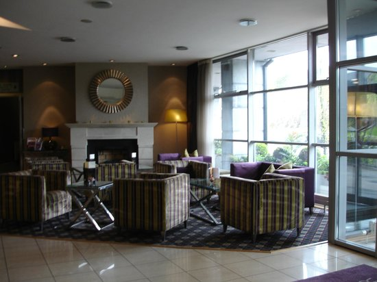 Harbour Hotel Galway: Gathering place near lobby