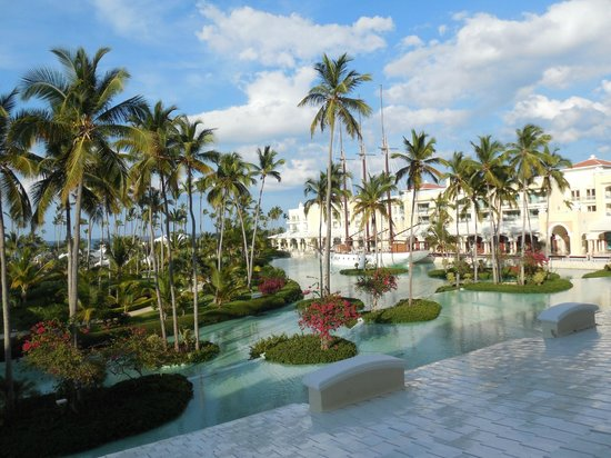 Iberostar Grand Bavaro Hotel: the grounds