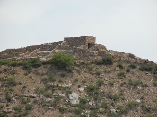 Clarkdale, Arizona: Ruins from road