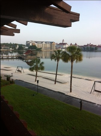 Disney's Polynesian Resort: Outside our room!
