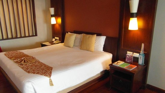 Kandaburi Resort & Spa: bedroom in hillside