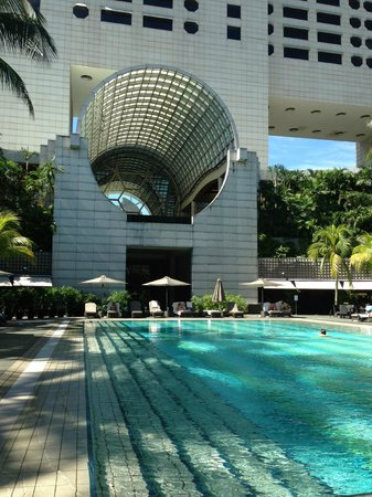 The Ritz-Carlton, Millenia Singapore: piscina