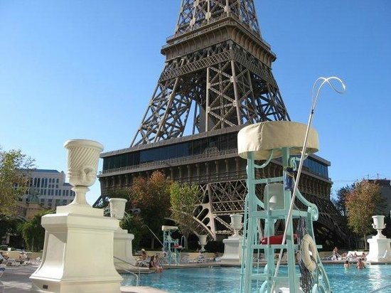 Paris Las Vegas: Paris Pool