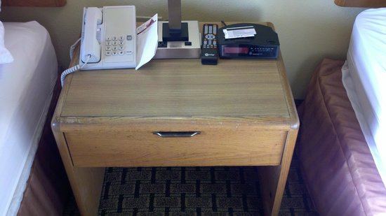 Inn At Grand Glaize: Cheap, used nightstand