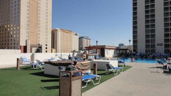 Plaza Hotel &amp; Casino : pool 