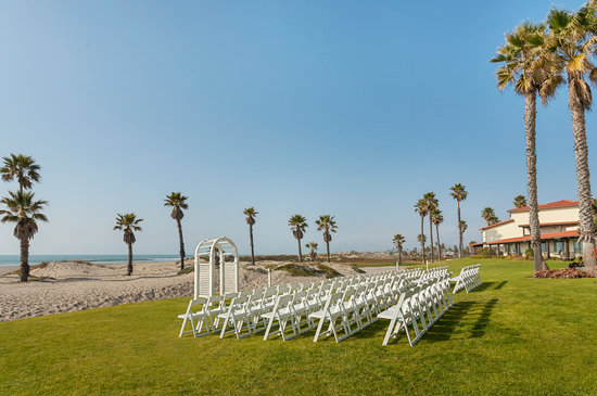 Embassy Suites Mandalay Beach Hotel & Resort: Beach Weddings