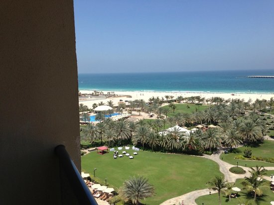 Le Royal Meridien Beach Resort &amp; Spa: View from the room over the sea