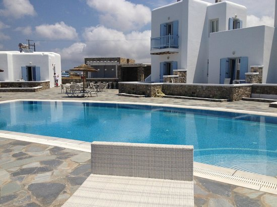 Aeolos Hotel: Pool area