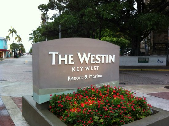 The Westin Key West Resort & Marina: Drive way