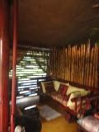 Peace of Paradise: TV room bamboo house