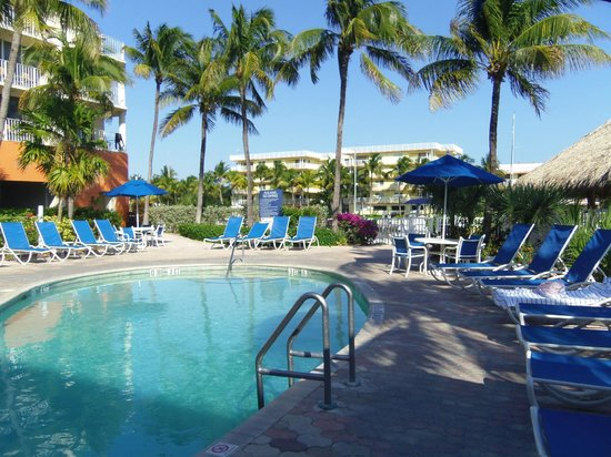 Courtyard by Marriott Key Largo: Hotel pool area, very nice
