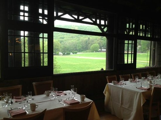 Bear Mountain Inn: view from dining room