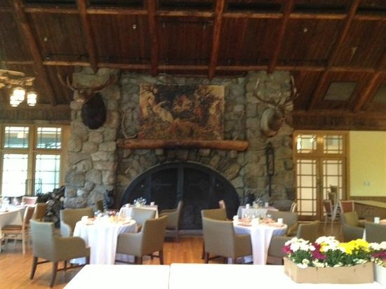 Bear Mountain Inn: the famous fireplace