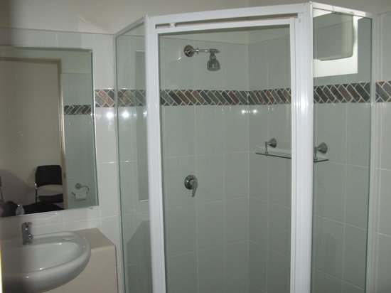 Kempsey, Australia: Newly renovated bathrooms.