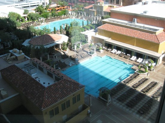 Venetian Resort Hotel Casino : Room view overlooking the pool