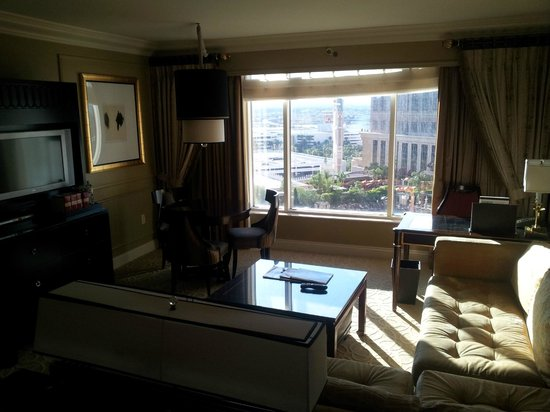 Venetian Resort Hotel Casino : View of the living room from bedroom area of room