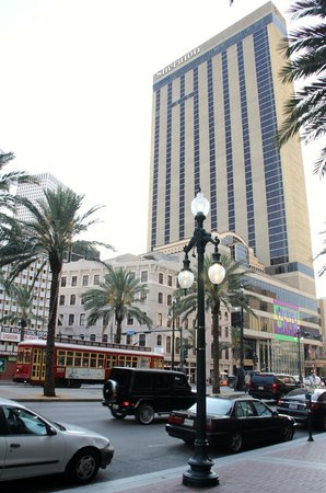 Sheraton New Orleans Hotel: View from Canal Street