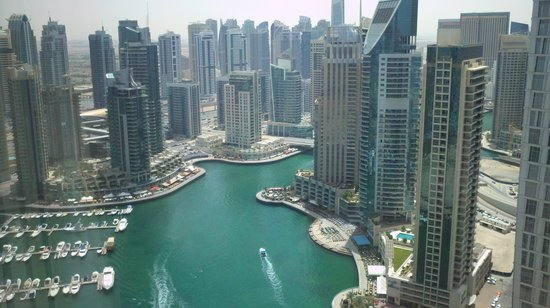 Dubai Marriott Harbour Hotel & Suites: View of Marina from my room