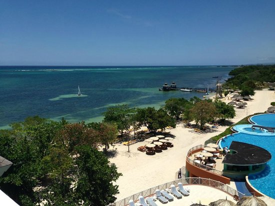 Iberostar Rose Hall Beach Hotel: What a view to wake up to!