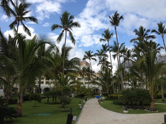 Iberostar Grand Bavaro Hotel : Front of the resort 