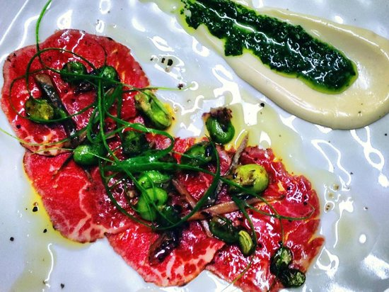 Burleigh Heads, Australia: beef carpaccio so popular on the specials board, i think we will have to do a comeback