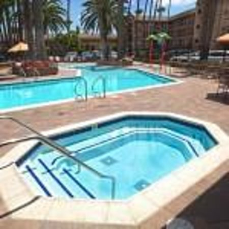Ramada Maingate - At The Park: Swimming pool and hot tub.  Pool is great for non-swimmers.