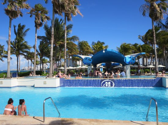 Caribe Hilton San Juan: Pool bar