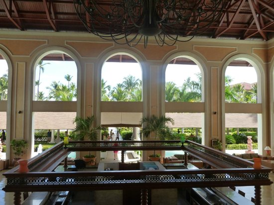 Majestic Colonial Punta Cana : View From The lobby overlooking bar downstairs 