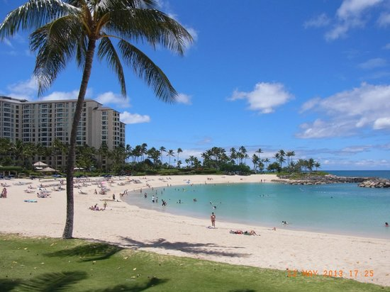 Marriott's Ko Olina Beach Club: Lagoon and view to Beach Club