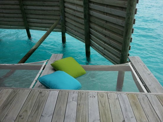 Six Senses Laamu: Outdoor hammock