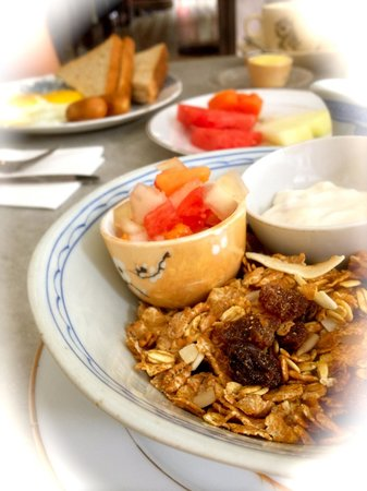 Noordin Mews: My yummy Muesli Breakfast