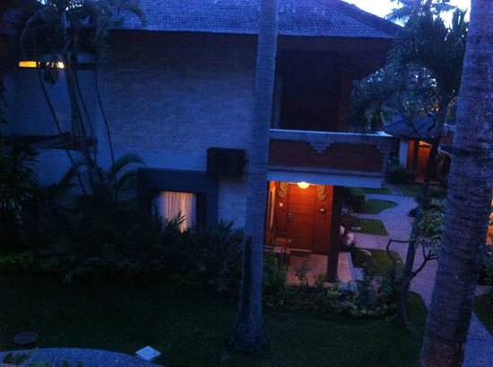 Bali Mandira Beach Resort & Spa: Evening view from our peaceful balcony