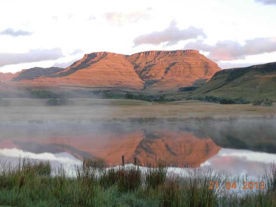 Underberg, Republika Poudniowej Afryki: view from Early Mist chalet