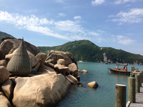 An Lam Ninh Van Bay Villas: rock