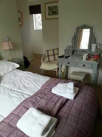 Newton Abbot, UK: farm house themed room
