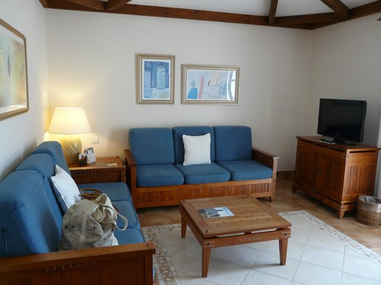 Princesa Yaiza Suite Hotel Resort : The separate living room