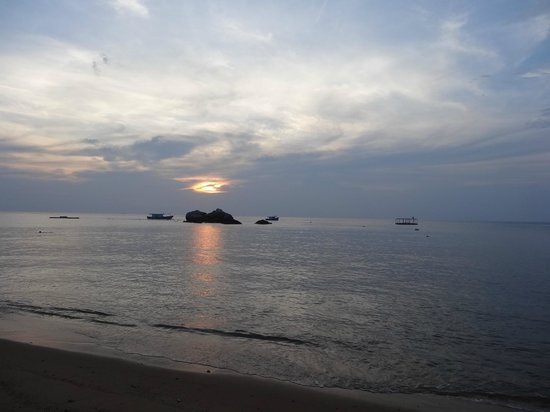 Paya Beach Spa and Dive Resort: Sunset
