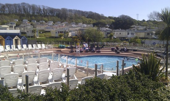 Littlesea Holiday Park: Outdoor pool in May
