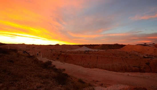 Coober Pedy, Australie : Sunset view from the top of the B&B
