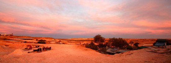 Coober Pedy, Avustralya: Sunset view from the B&amp;B