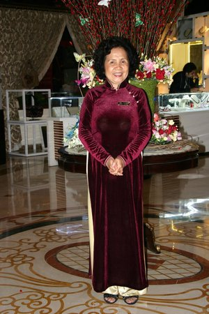 Hotel Majestic Saigon: Mrs Fleur